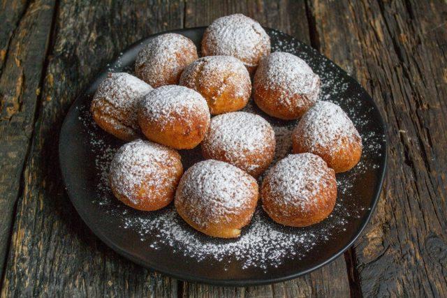 Вкусные творожные пончики из рикотты во фритюре готовы