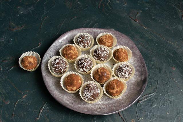 Домашние конфеты «Ромовые шарики» готовы