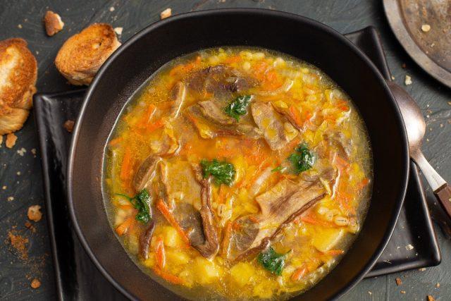 Постный грибной суп с перловкой и пекинской капустой