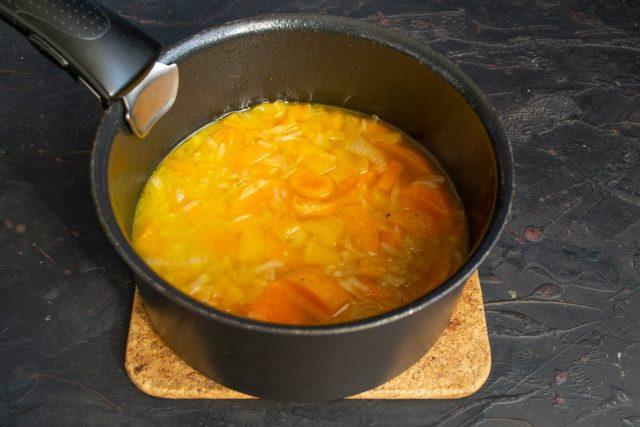 Варим суп на тихом огне 40 минут