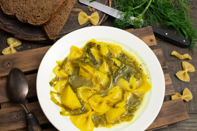 Быстрый суп с сельдереем и капустой