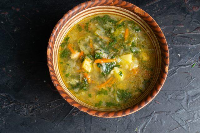 Витаминный суп с крапивой готов